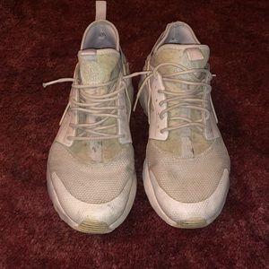 Nike Triple White Huaraches